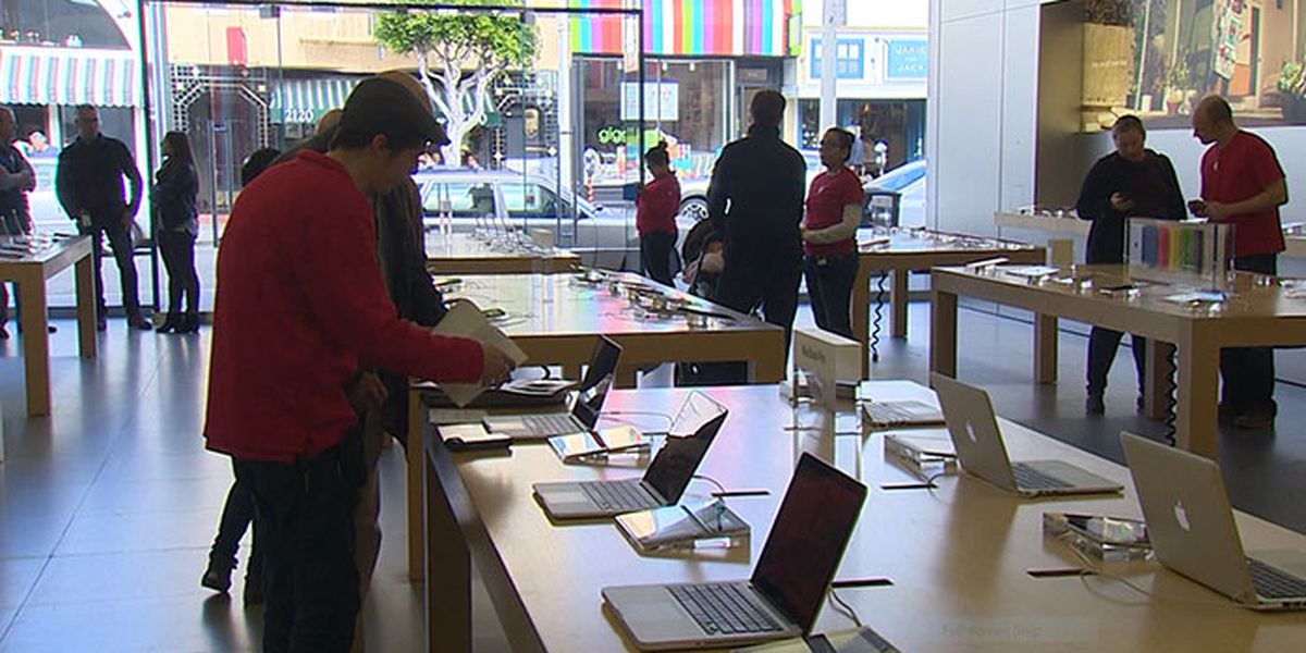 Apple temporarily closes stores worldwide