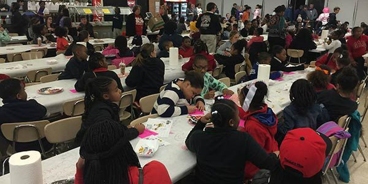 Dozens attend 25th Annual Burger Bash