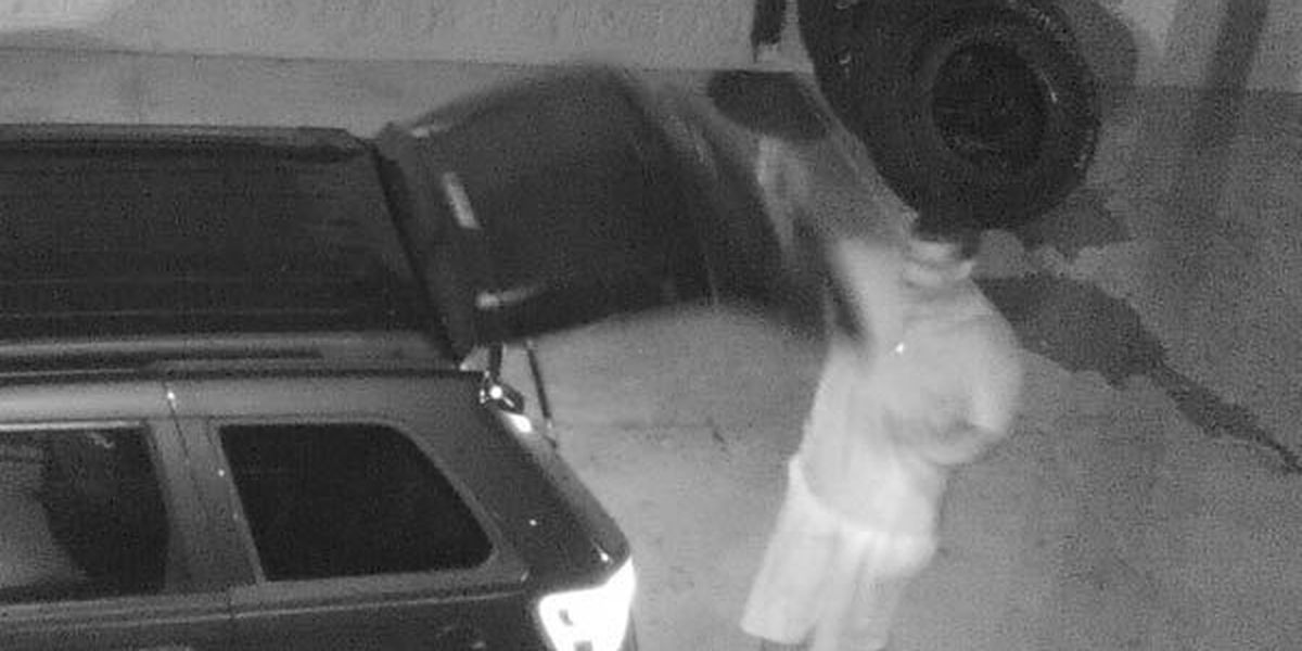 Sheriff's office looking for suspects involved in three tire thefts