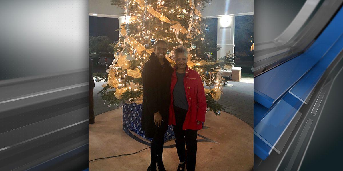 SU holds first-ever Christmas tree lighting to kick off holiday season