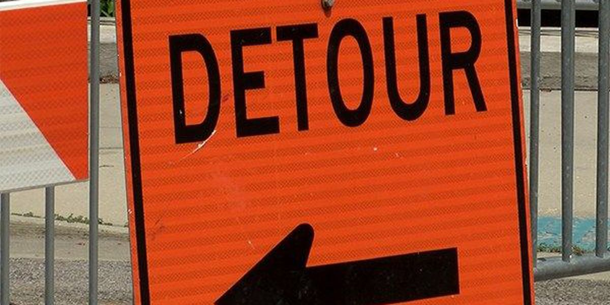 One lane of Bluebonnet Blvd. southbound will be closed Saturday