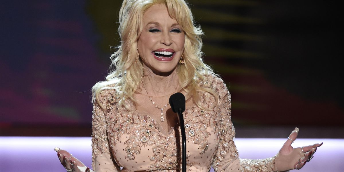 Dolly Parton rescued child on set of 'Christmas on the Square'