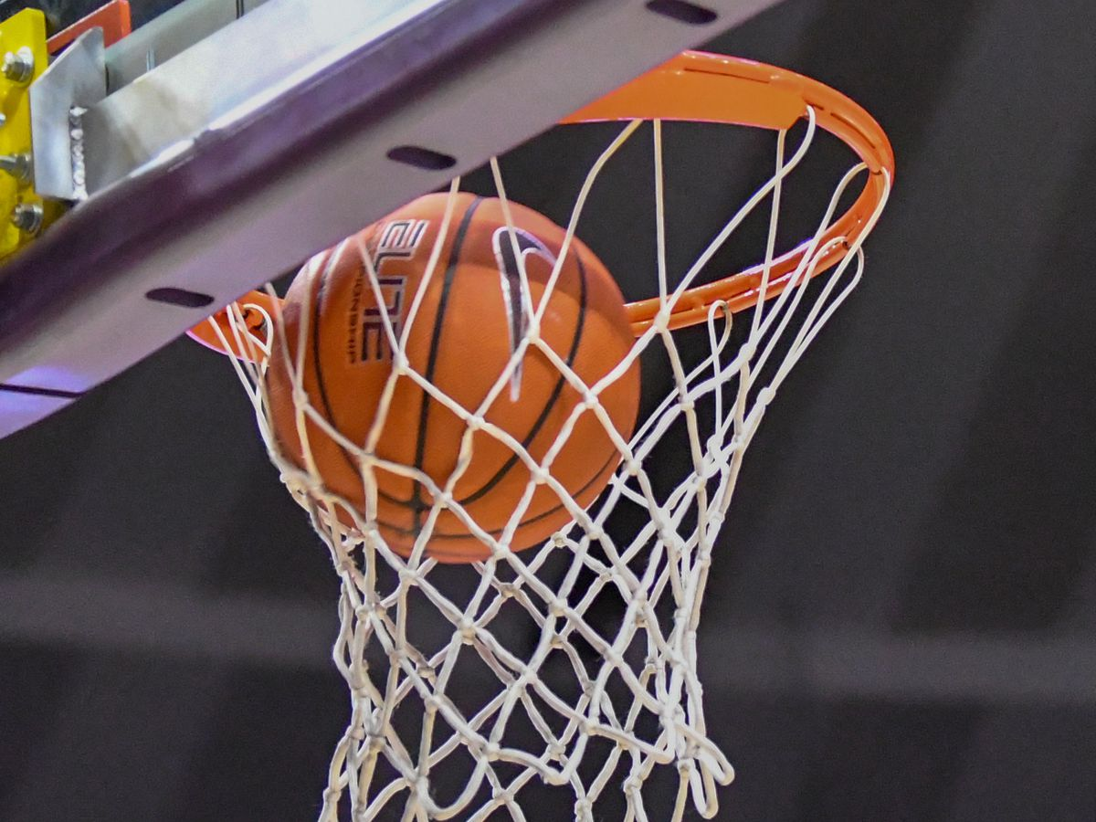 HS HOOPS PLAYOFFS: Boys' Bi-Districts, Regionals (continued); Quarterfinals