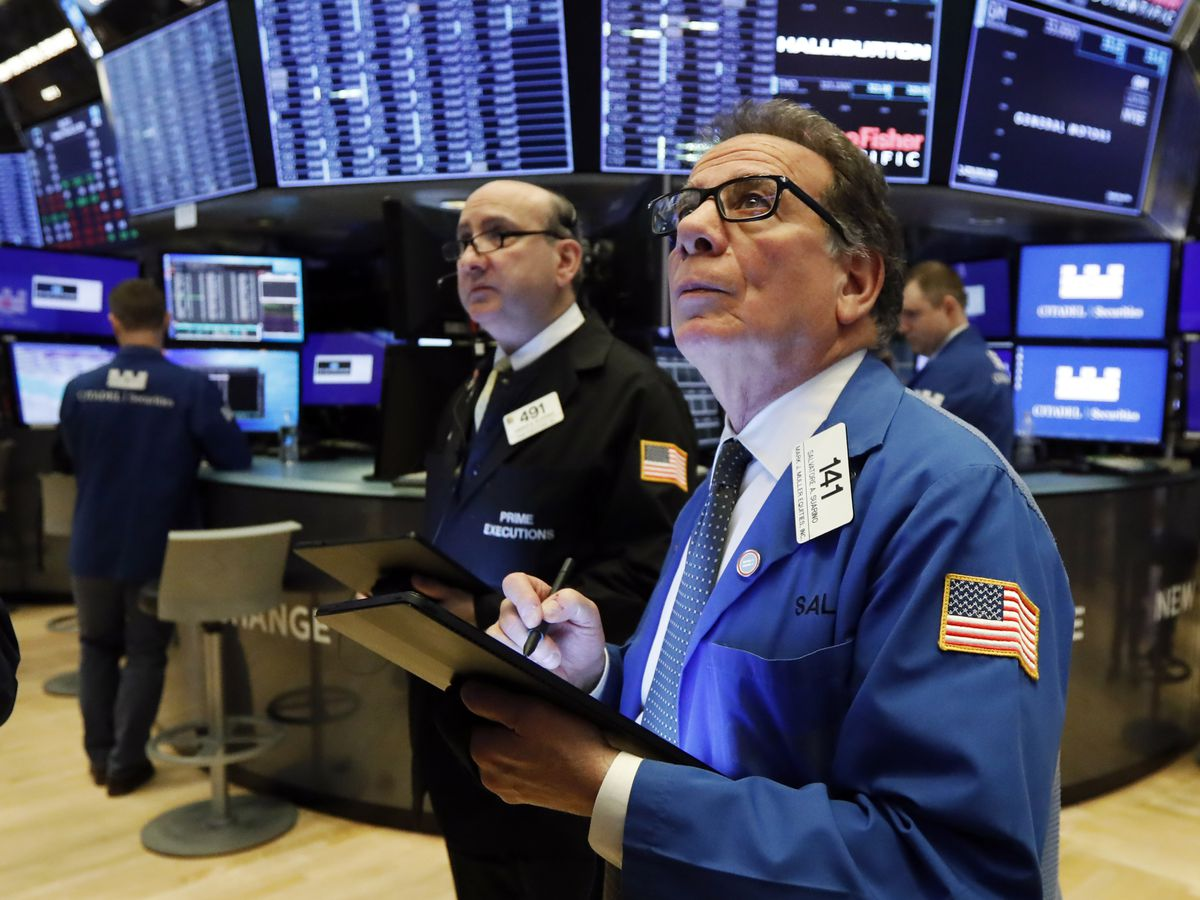 Stocks fall on Wall Street, head for worst week since 2008