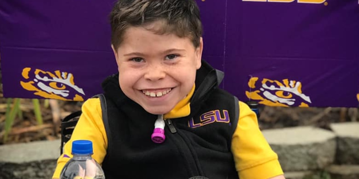 LSU superfan Colton Moore dresses up as Coach O