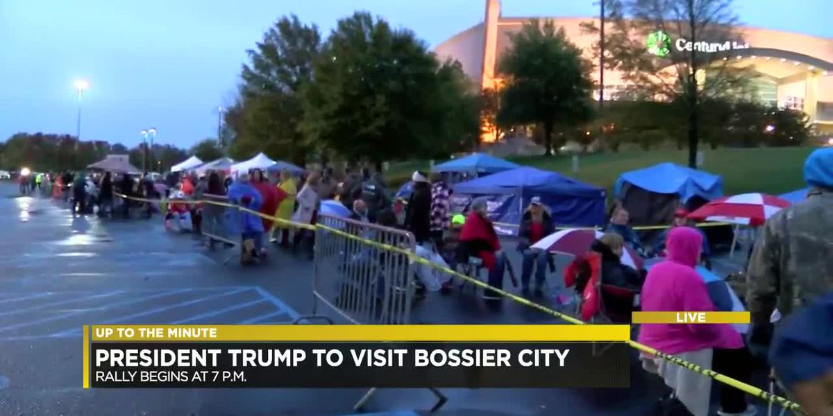 Supporters make their way to CenturyLink Center for POTUS