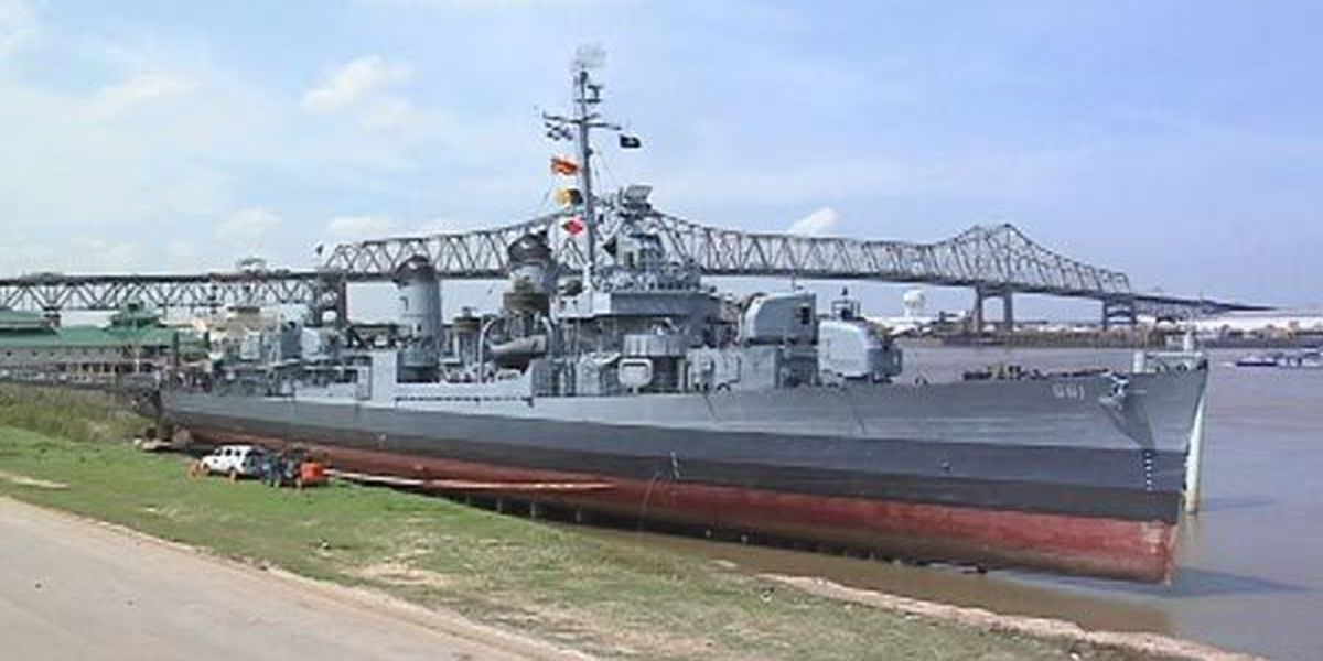 USS KIDD volunteers receive honors from Historic Naval Ships Association