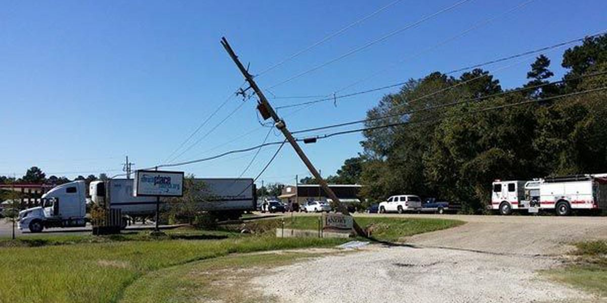 350 without power after semi takes down power line in Denham Springs