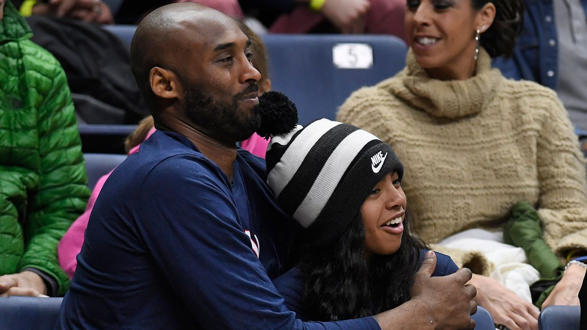 Kobe Bryant, daughter Gianna among up to 9 killed in helicopter crash, reports say