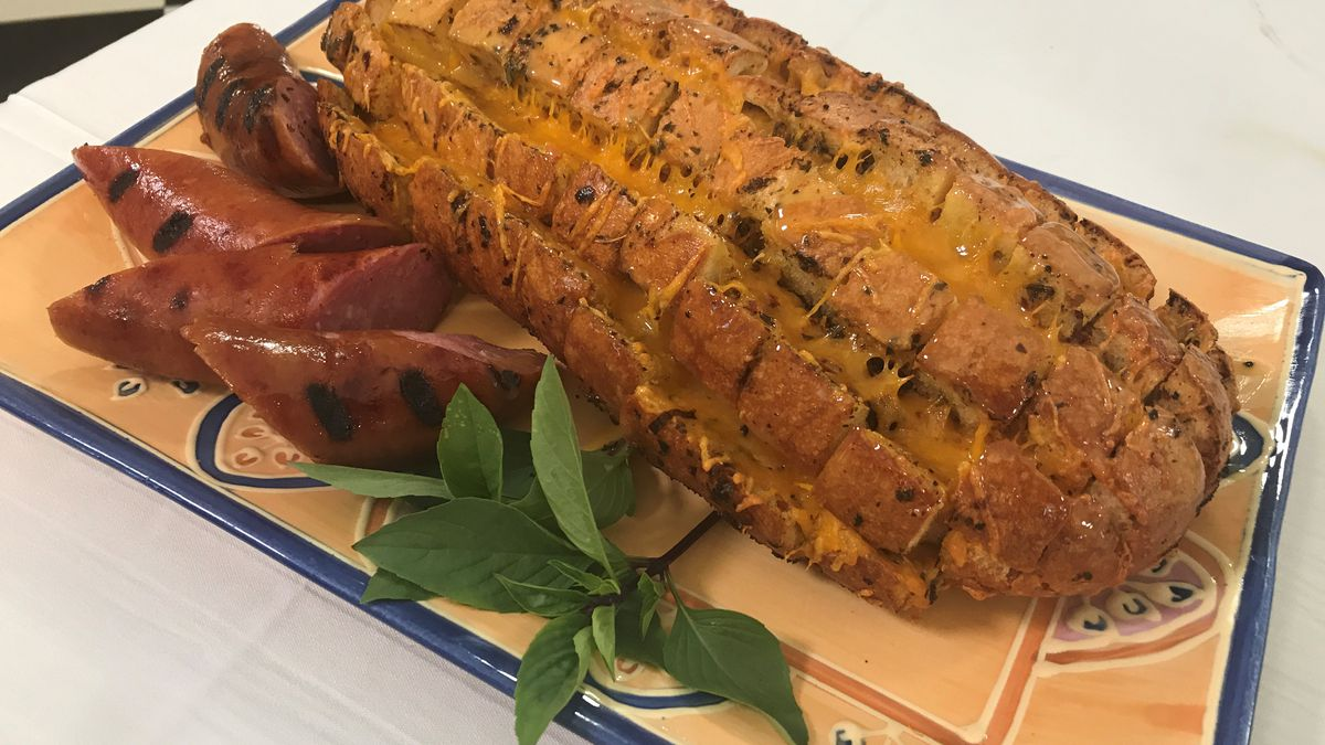 Cheddar and Sausage Tailgating Bread