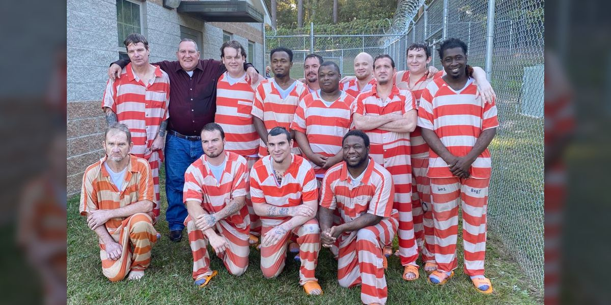 'We hope this is a new start': 17 inmates baptized at Mississippi jail