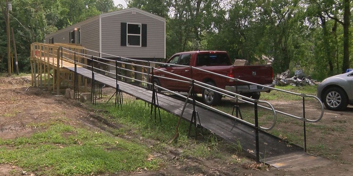 St. Amant couple moves into new trailer thanks to community donations after losing home in '16 flooding