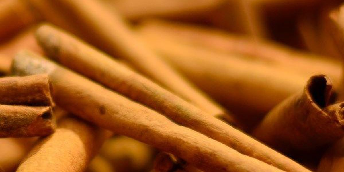Mulled Cider with Aromatic Spices