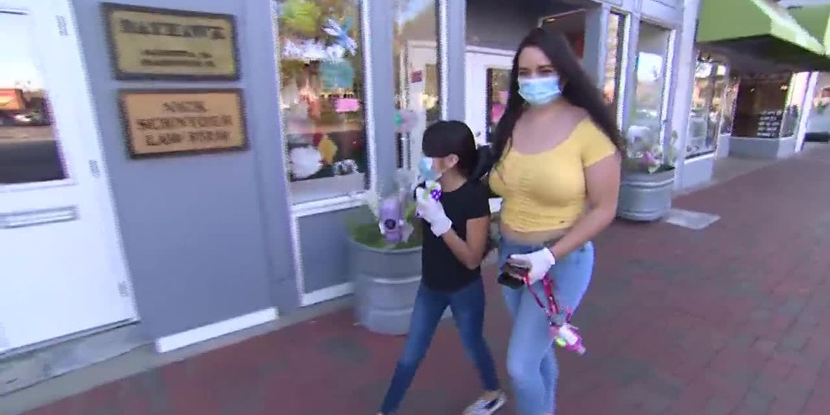 Should Americans wear face masks in public during coronavirus pandemic?
