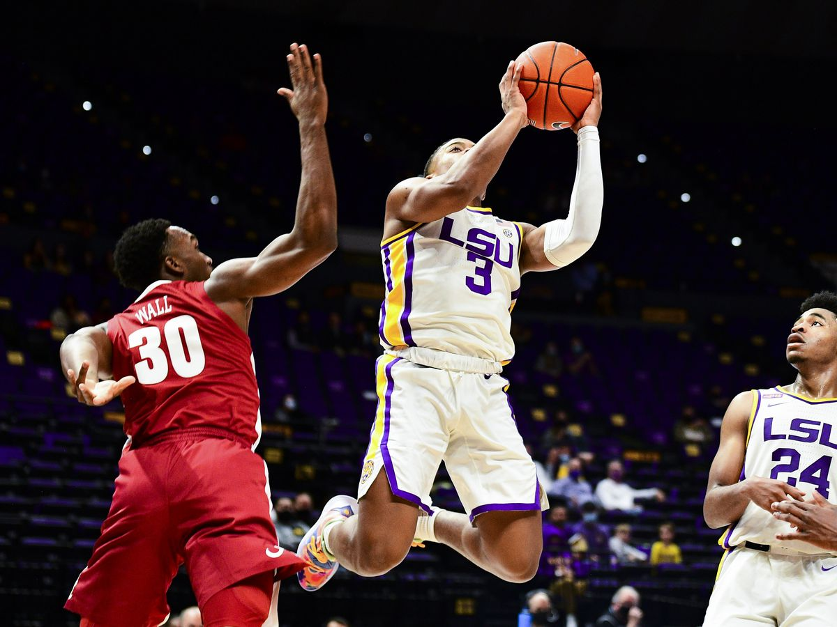 REPORT: LSU point guard enters NCAA transfer portal