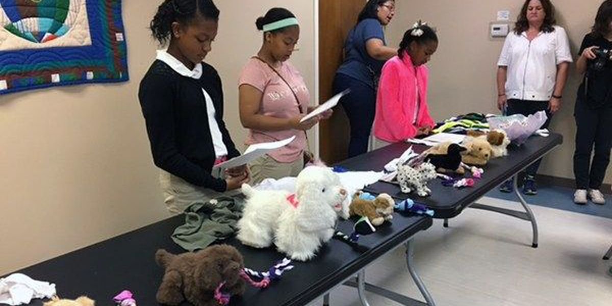 Girl Scouts help homeless on MLK Day