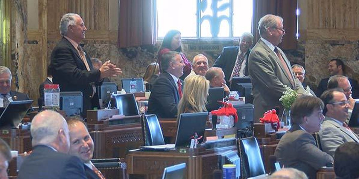 State lawmakers honored in memorial day ceremony