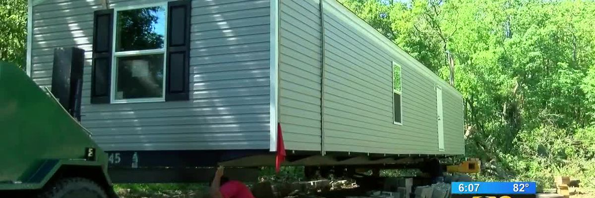 Community rallies to help out St. Amant couple after report on WAFB