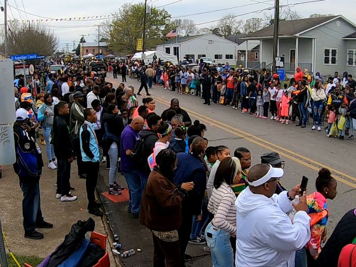 Thousands of revelers attend Mardi Gras Day parade in New Roads