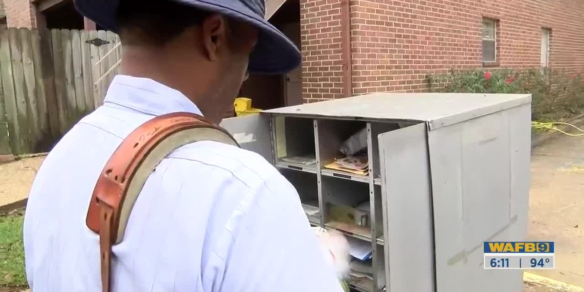 Baton Rouge residents concerned with USPS mail delivery service