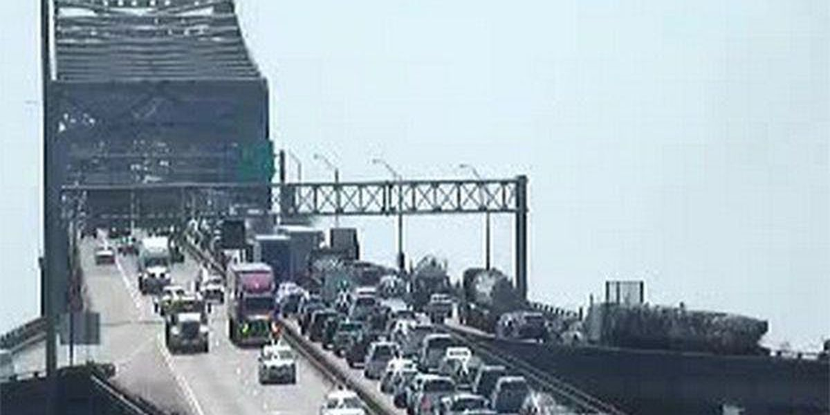 All lanes of I-10 East on 'New Bridge' reopen following crash