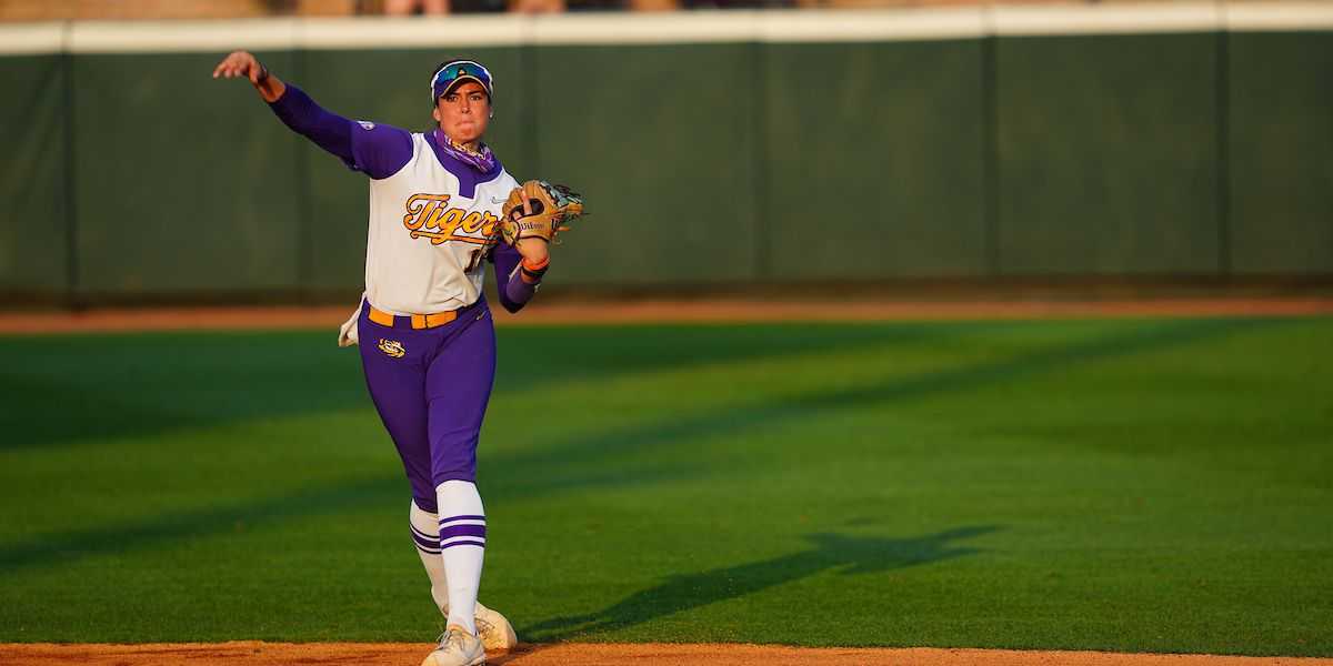 No. 7 Arkansas takes series with 4-1 win over No. 14 LSU