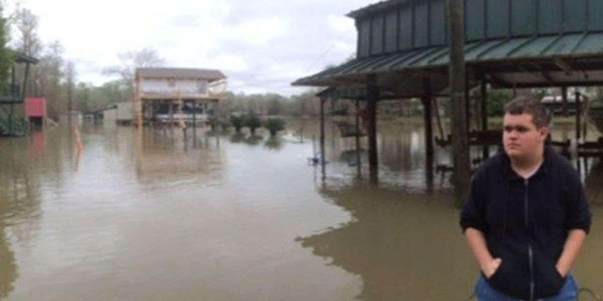 Heavy rains cause flooding in French Settlement
