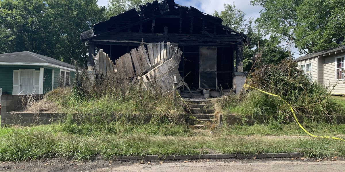 Vacant house fire on Myrtle Walk