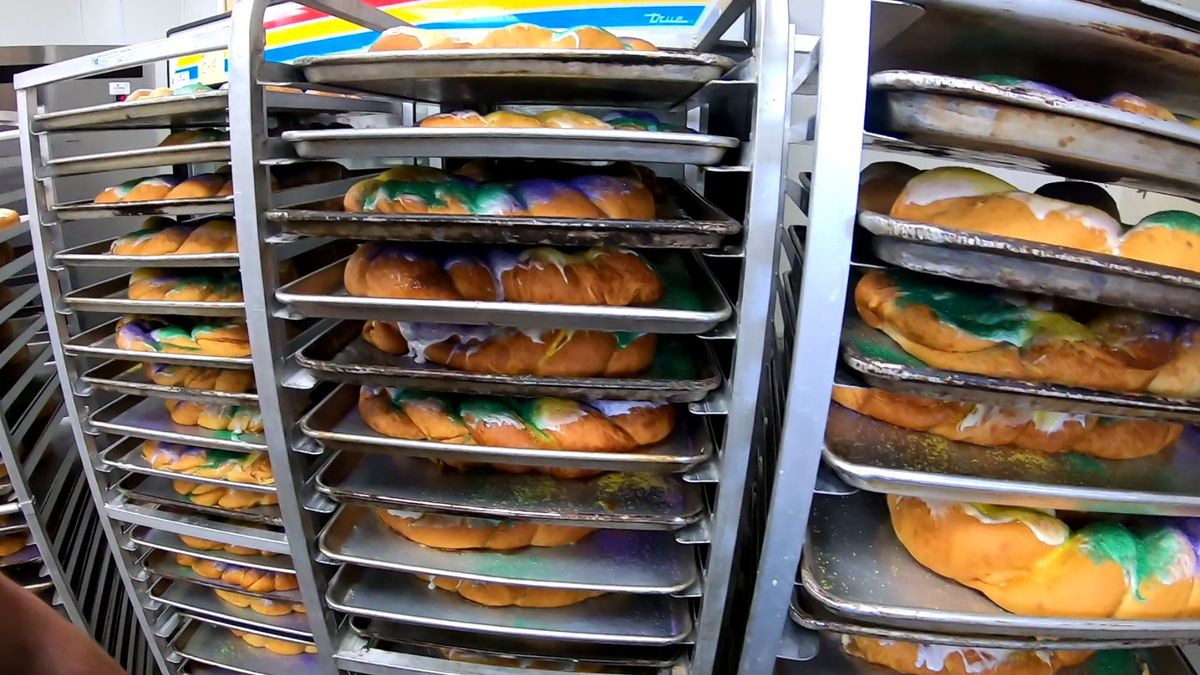 Baton Rouge area stores running out of king cakes fast as Mardi Gras weekend approaches