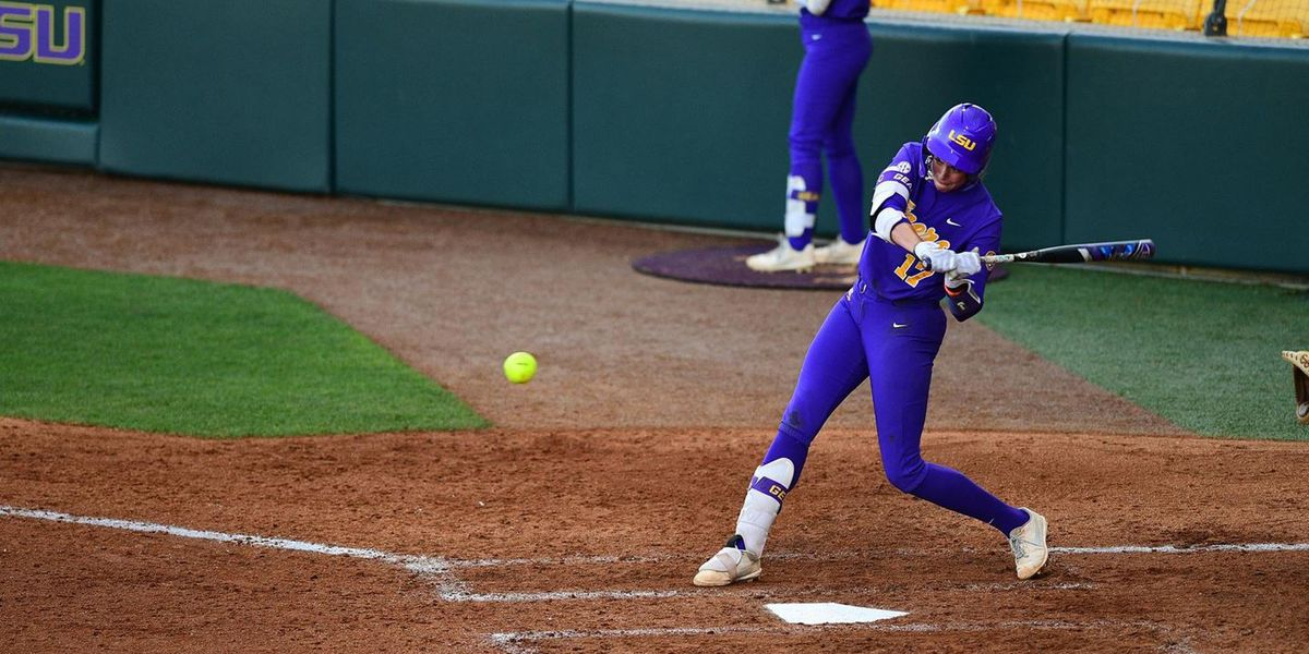 Auburn evens series against No. 13 LSU with 9-5 win