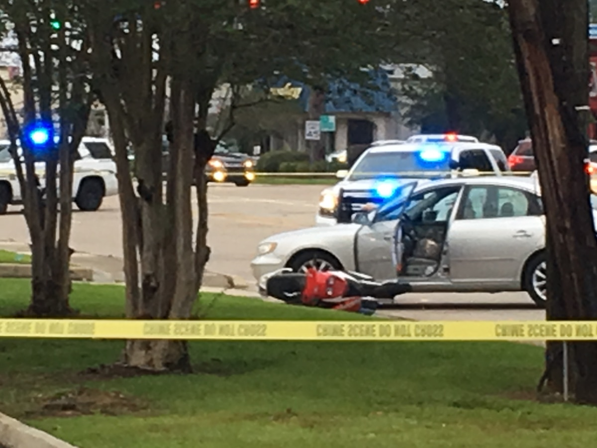 Motorcyclist dies in morning crash