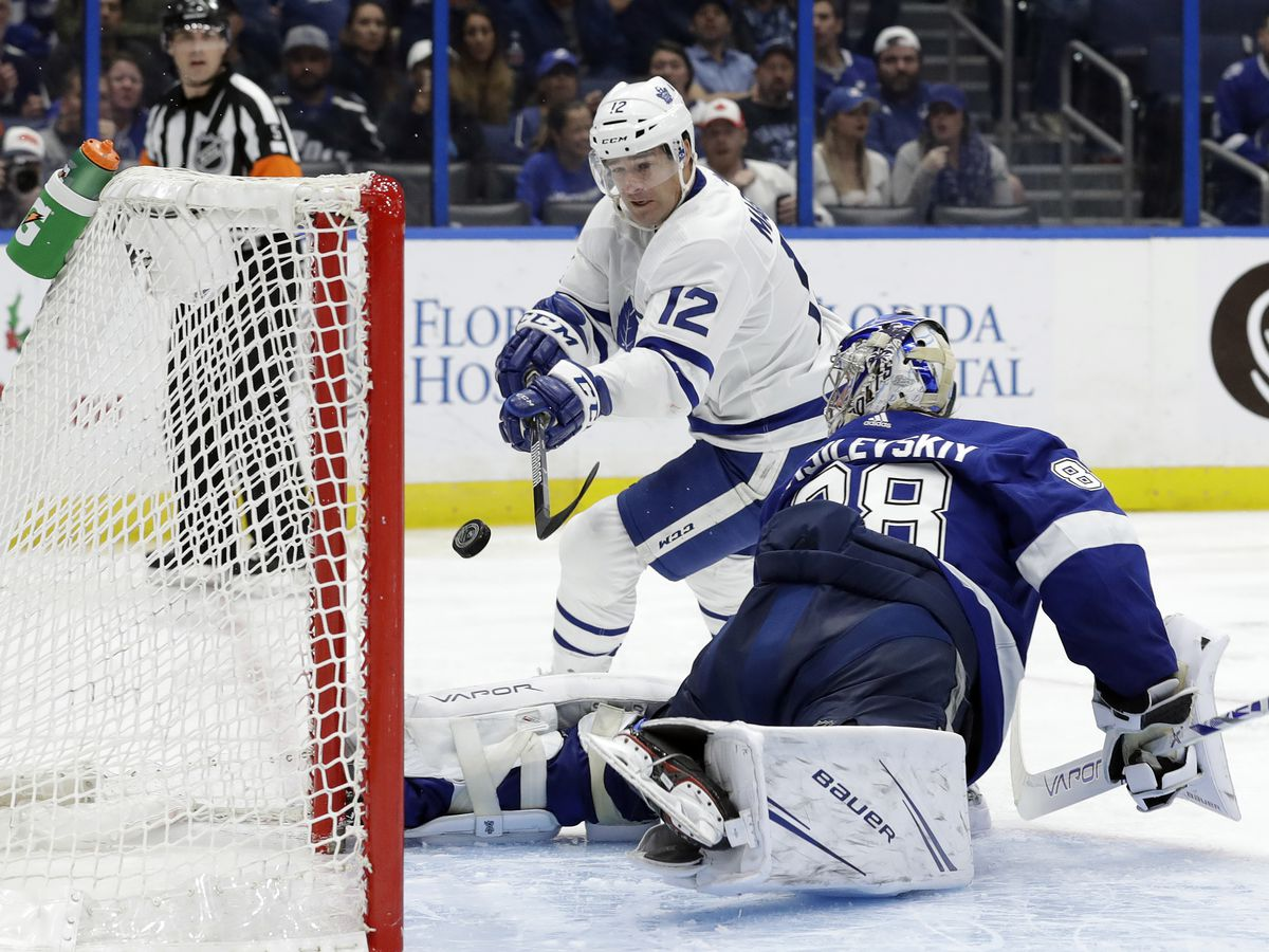 Vasilevskiy shines in return, Lightning beat Maple Leafs 4-1