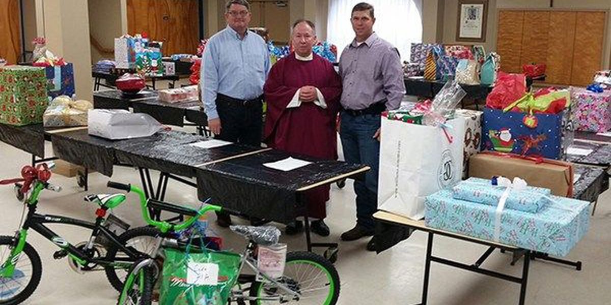 Church, Sheriff's Office partner to give Christmas gifts to inmates' children