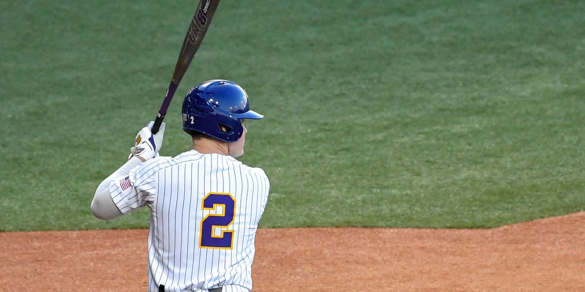 No. 7 LSU baseball beats Nicholls on walk-off double in 10 innings