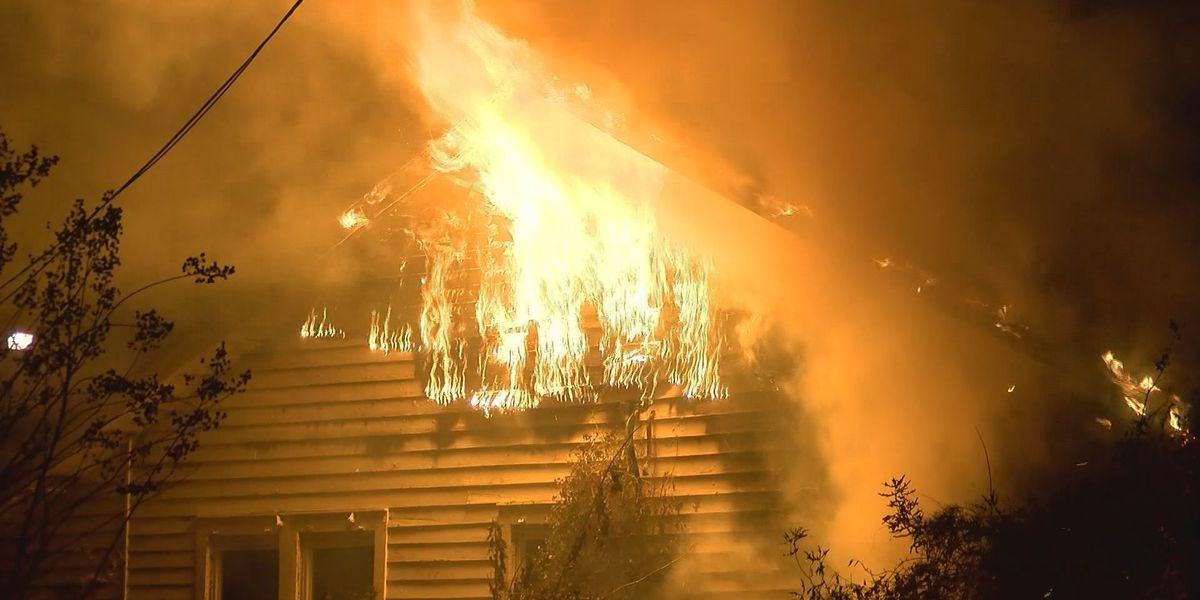 Huge flames tear through north Baton Rouge home