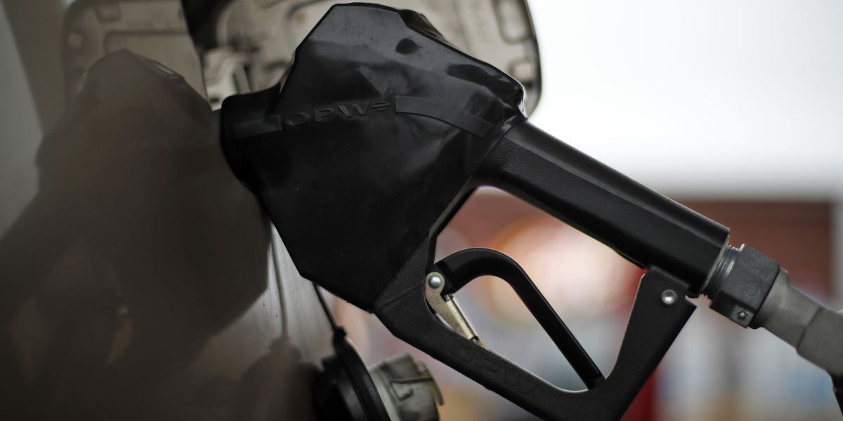 Average US price of gas spikes 13 cents per gallon, to $2.91