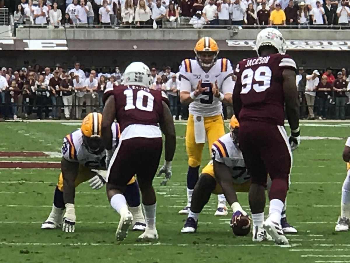 Joe Burrow throws 4 TDs passes, No. 2 LSU routs MSU 36-13