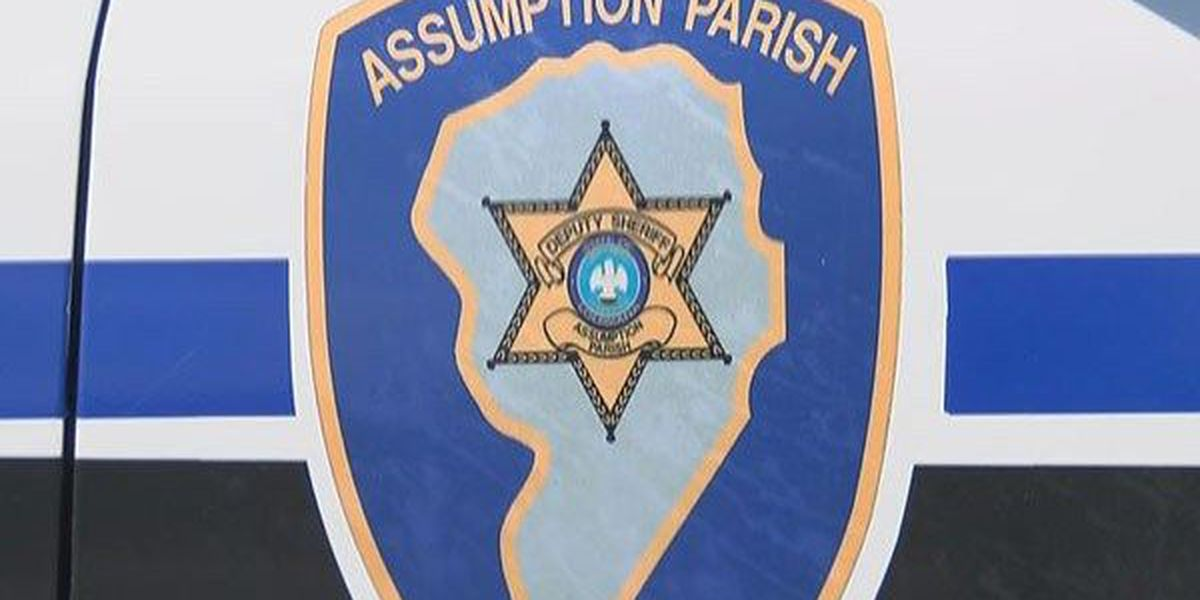 Deputy rescues driver trapped in vehicle submerged in bayou