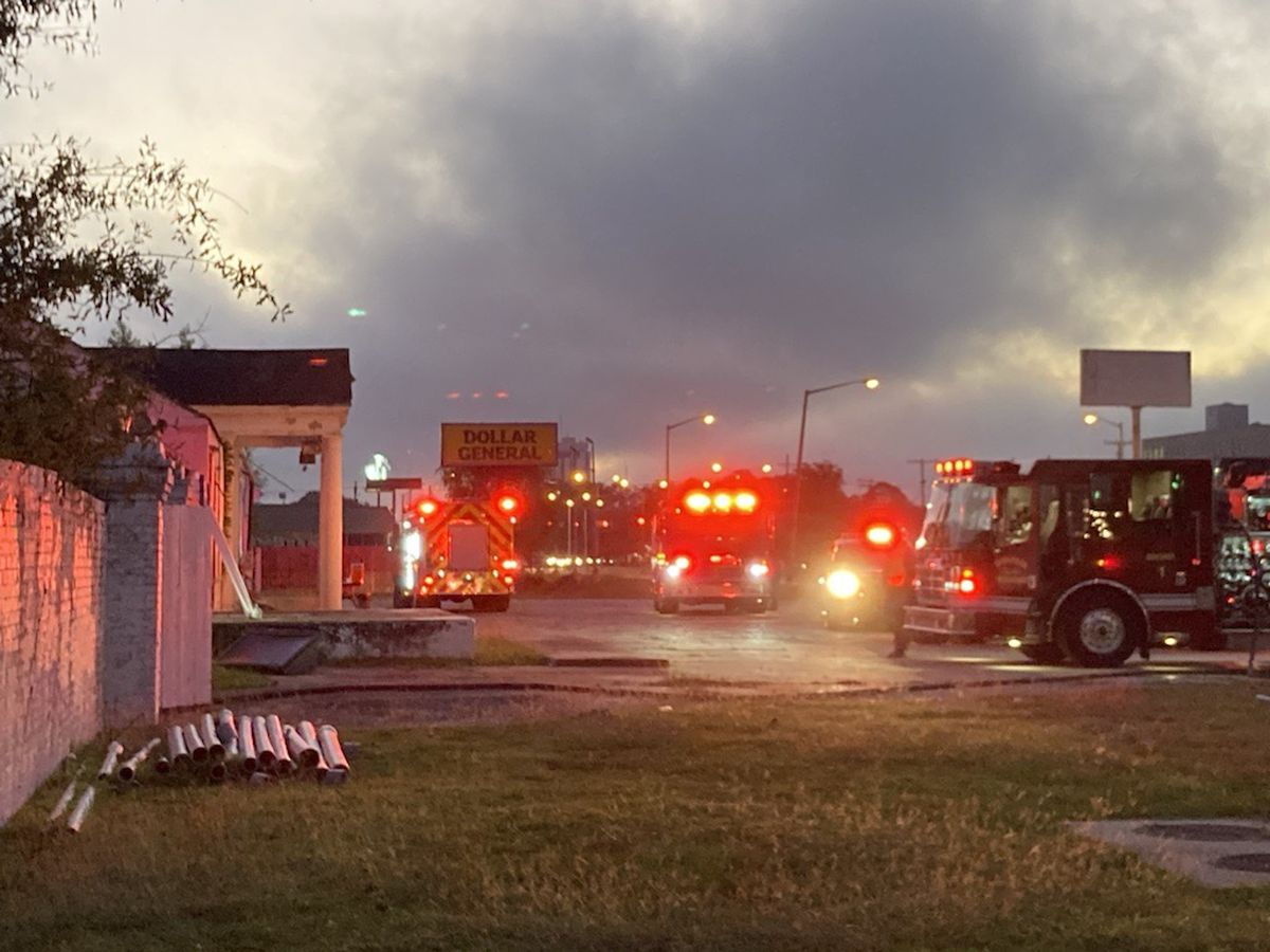 Authorities investigating arson at abandoned warehouse on Florida Boulevard
