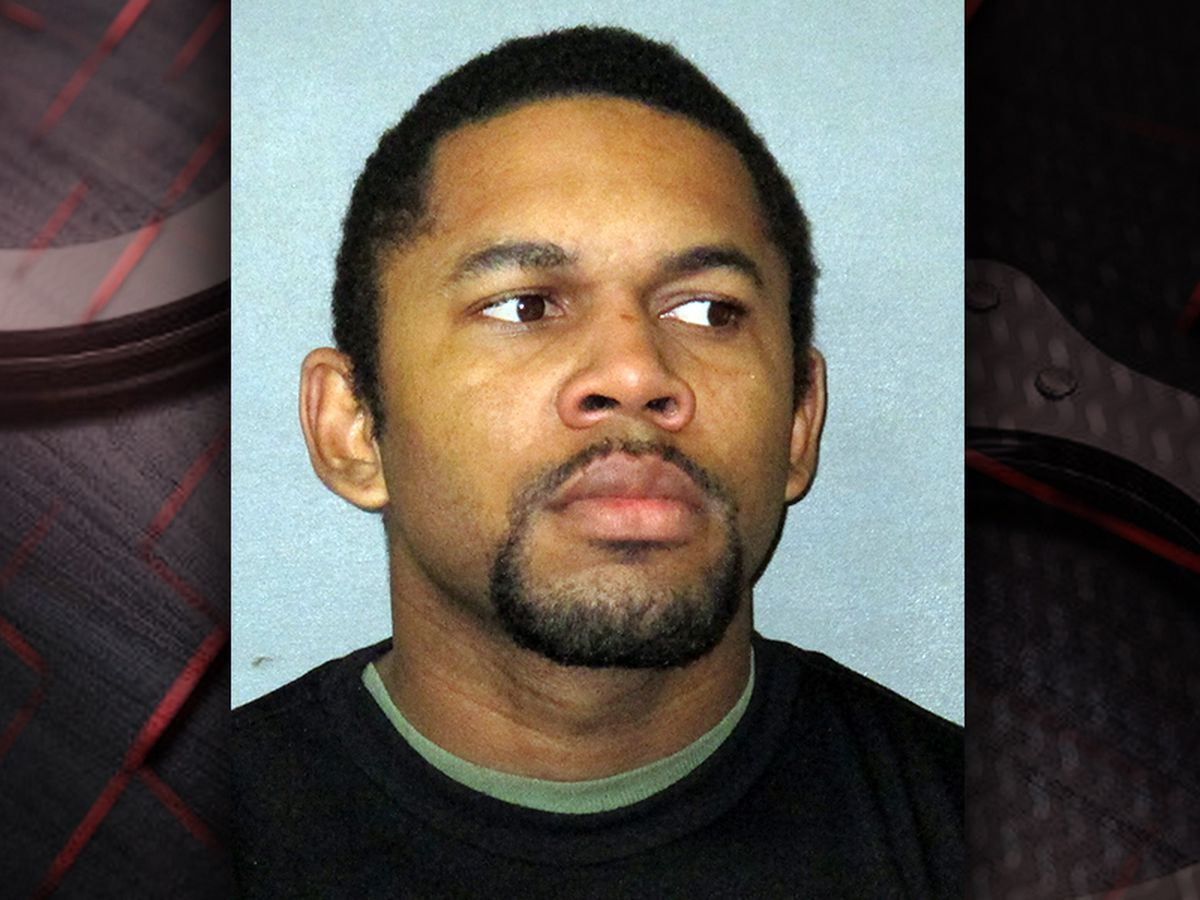 Man charged with animal cruelty after reportedly shooting neighbor's dog in the leg