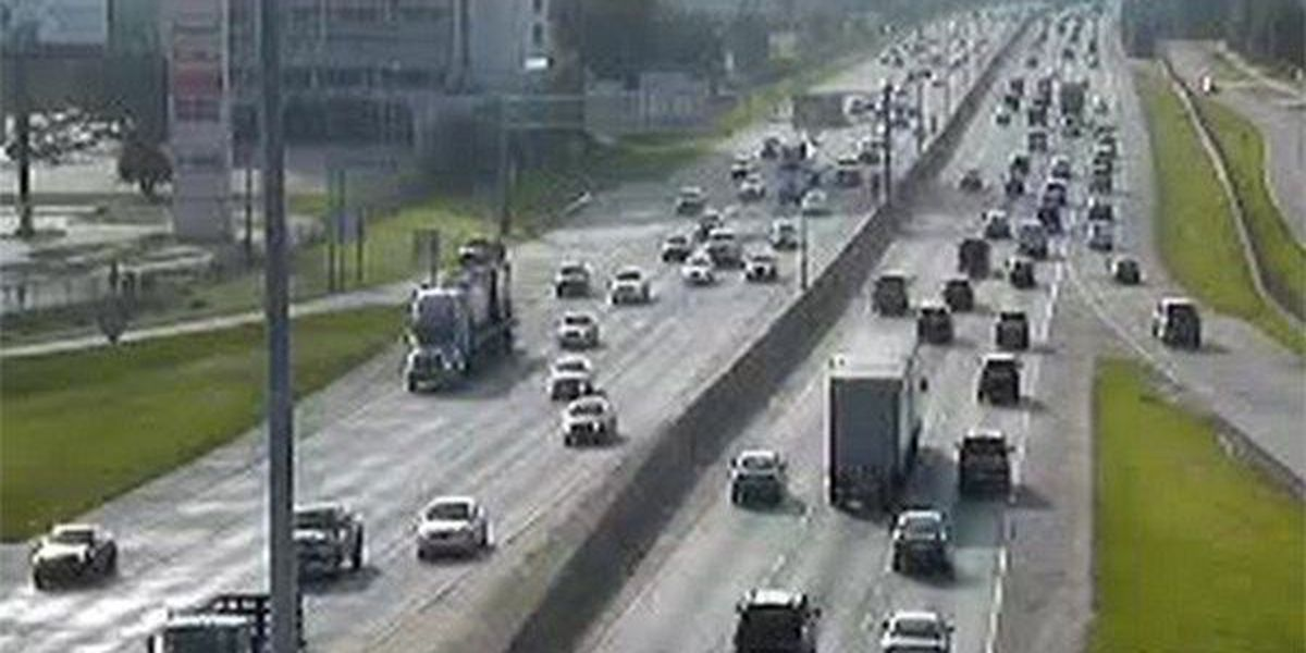 Traffic looks good on I-10 W from I-10/I-12 Merge to downtown BR