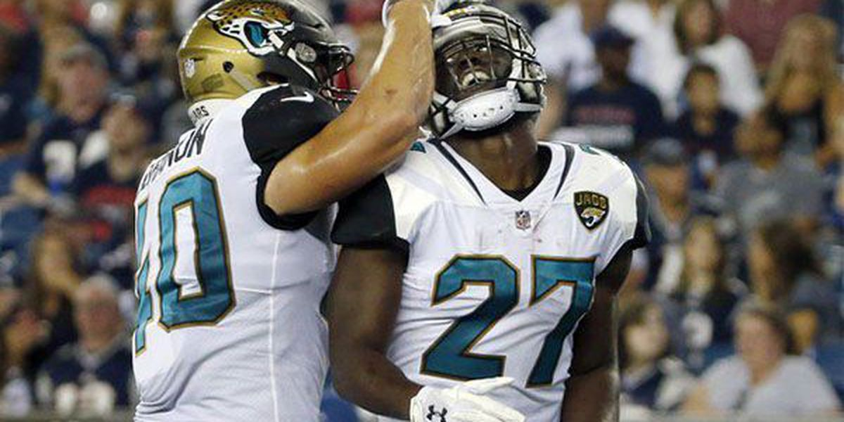 Fournette scores first pro touchdown in Jaguars' preseason win over New England