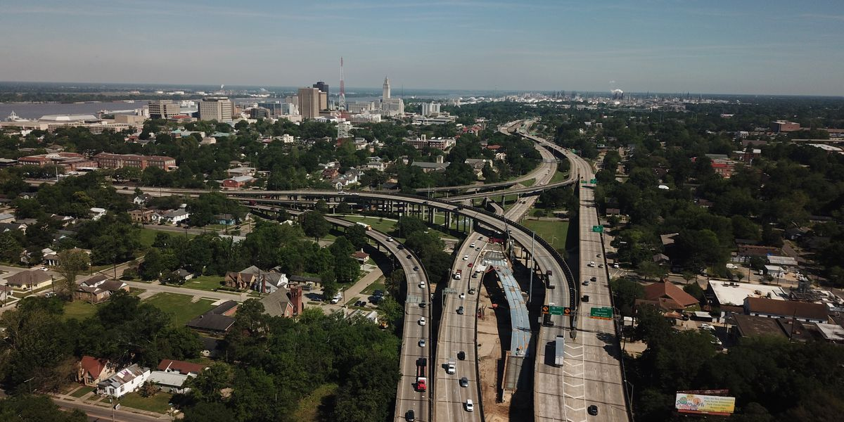 State officials hold ribbon-cutting ceremony for opening of I-110 Terrace Avenue Interchange