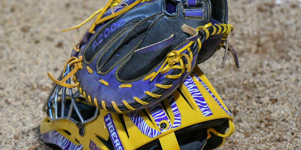 No. 7 LSU softball falls 8-5 to No. 19 Oregon