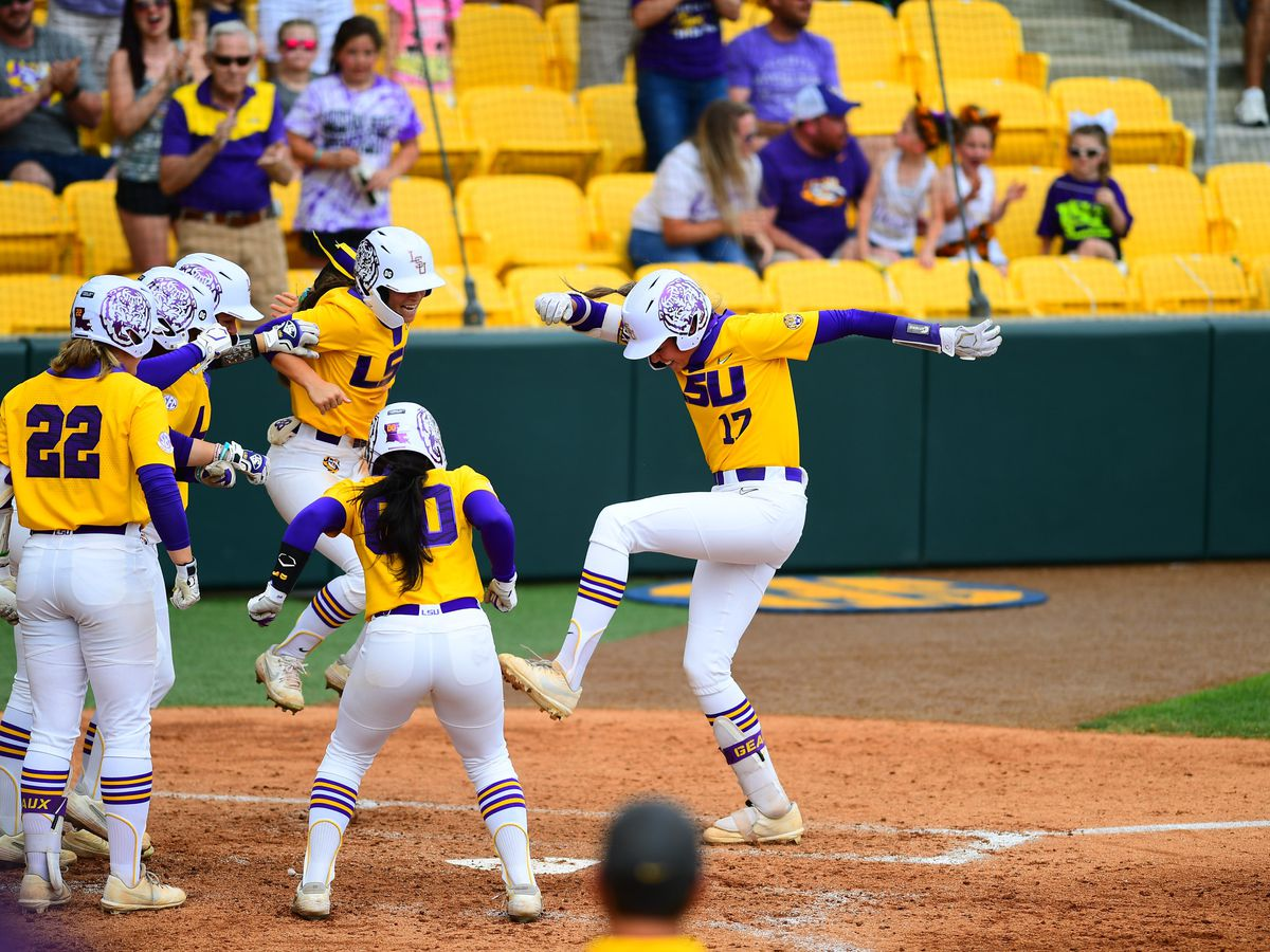 Pleasants grand slam lifts No. 13 LSU past Auburn 4-1