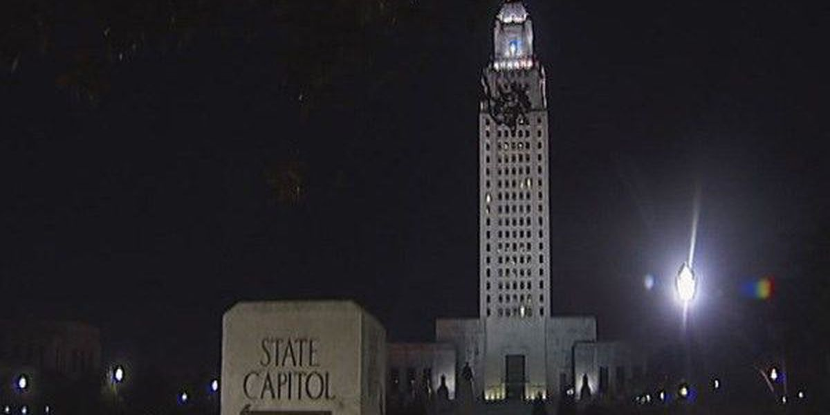 Gov. Jindal backs bill to protect people's private photos