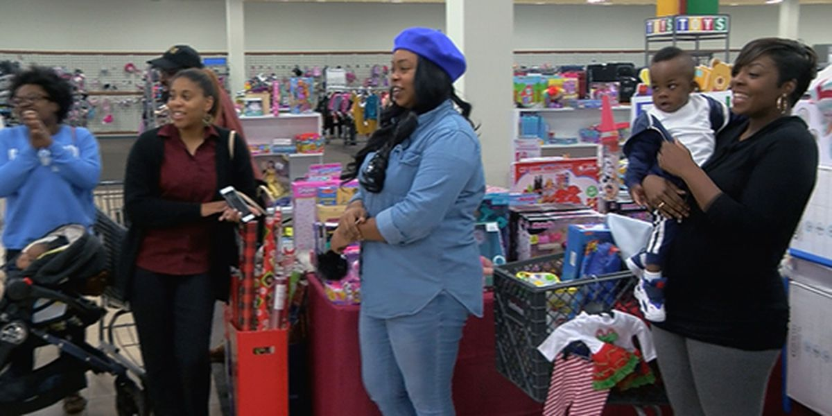 NFL player pays layaway balances for Baton Rouge shoppers