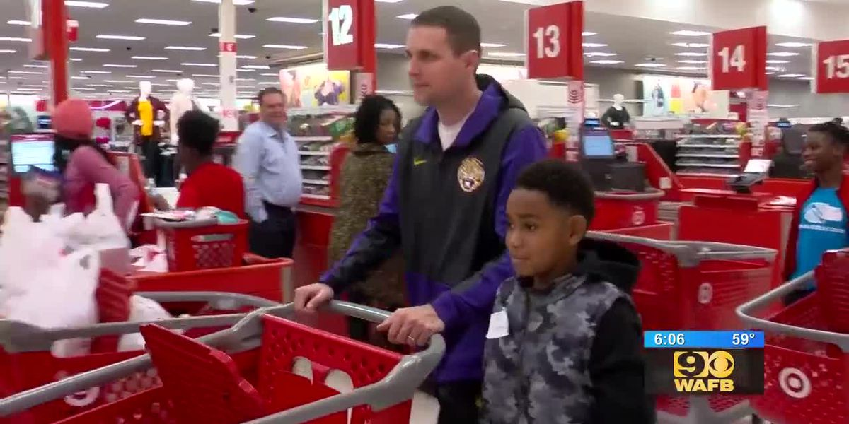 Will Wade Christmas shopping