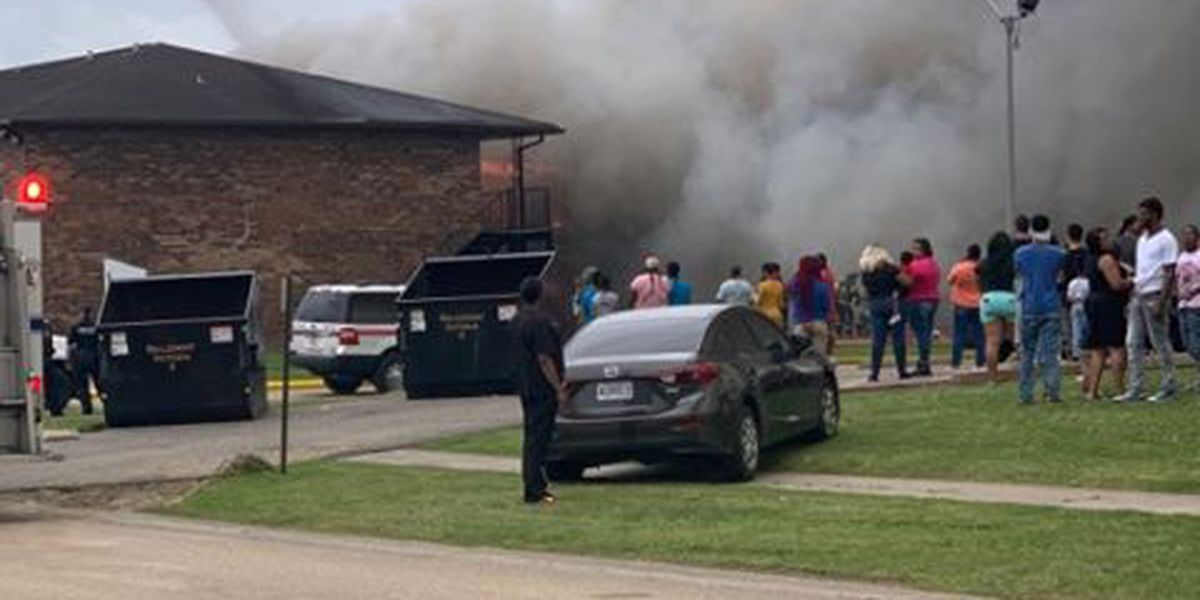 37 residents displaced after apartment complex fire in Baton Rouge
