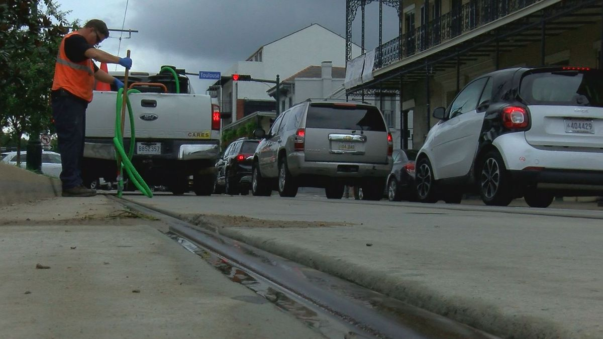 Hundreds of gallons of molasses cleaned from French Quarter street